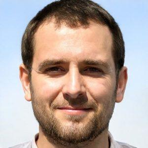 Eric Handelsman (writer and food blogger at lifewithkitchen.com)